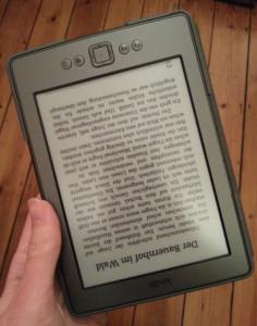 Weiterhin unbenutzbar - Kindle von Amazon. CC BY 3.0 Christopher Knörndel